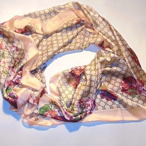 100 % Authentic Gucci Floral scarf